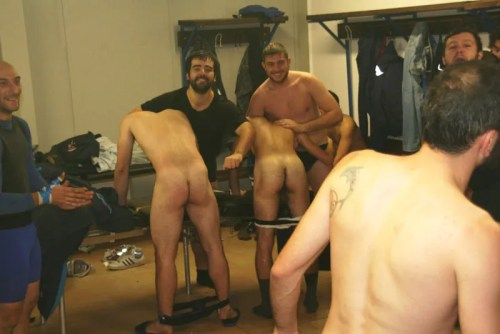 naked-rugbyplayers-butt-exposed