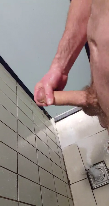 wanking-big-dick-in-the-showers