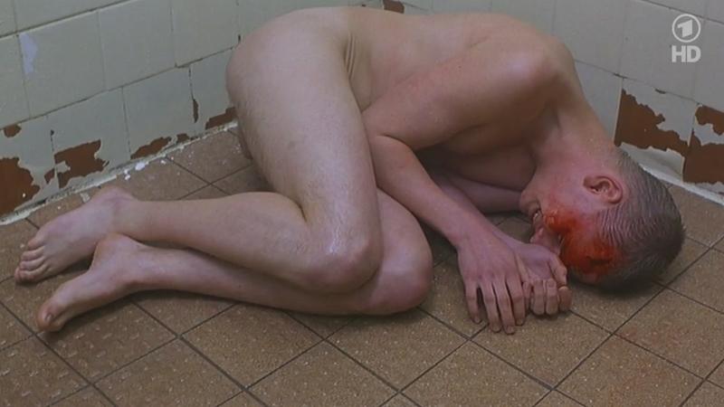 estupro prisioneiro cadeia