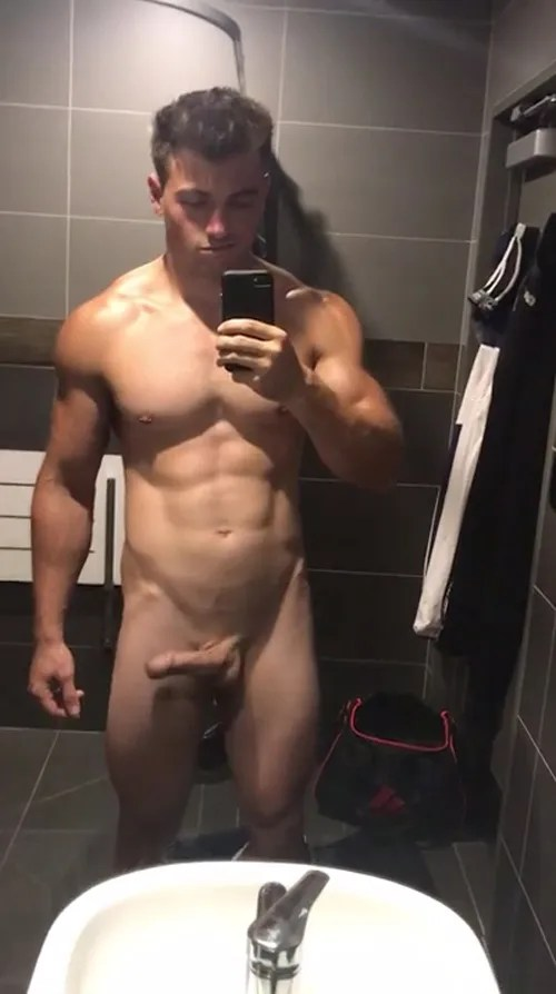 sexy-muscle-guy-with-big-uncut-dick