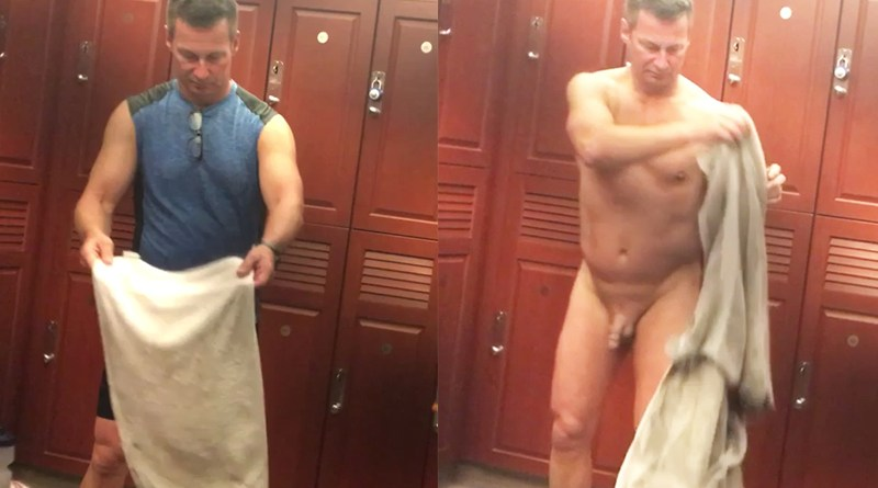 sexy-senior-daddy-nude
