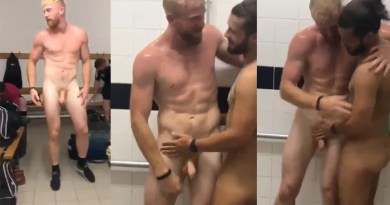 homoerotic-situation-soccer-players-in-showers1
