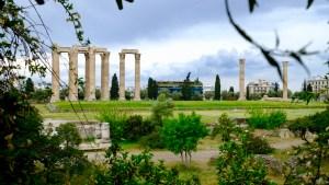 vue sur l'Olympiéion d'Athènes