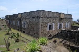 fort Napoléon aux Saintes et son jardin de cactées