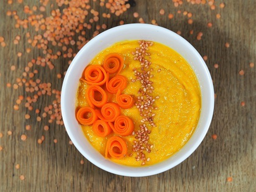 Soupe de lentilles corail et carottes aux épices