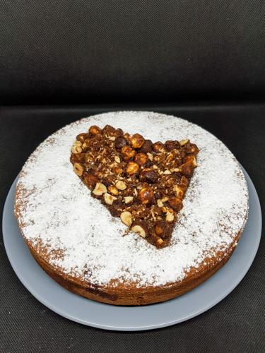 gâteau marbré au chocolat décor cœur de noisettes au sucre muscovado #lefraternel