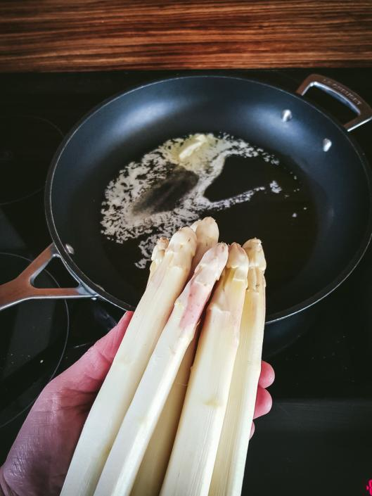 pan fry white asparagus is delicious