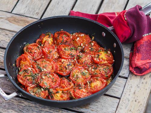 tomates provençales à la poêle presque confites