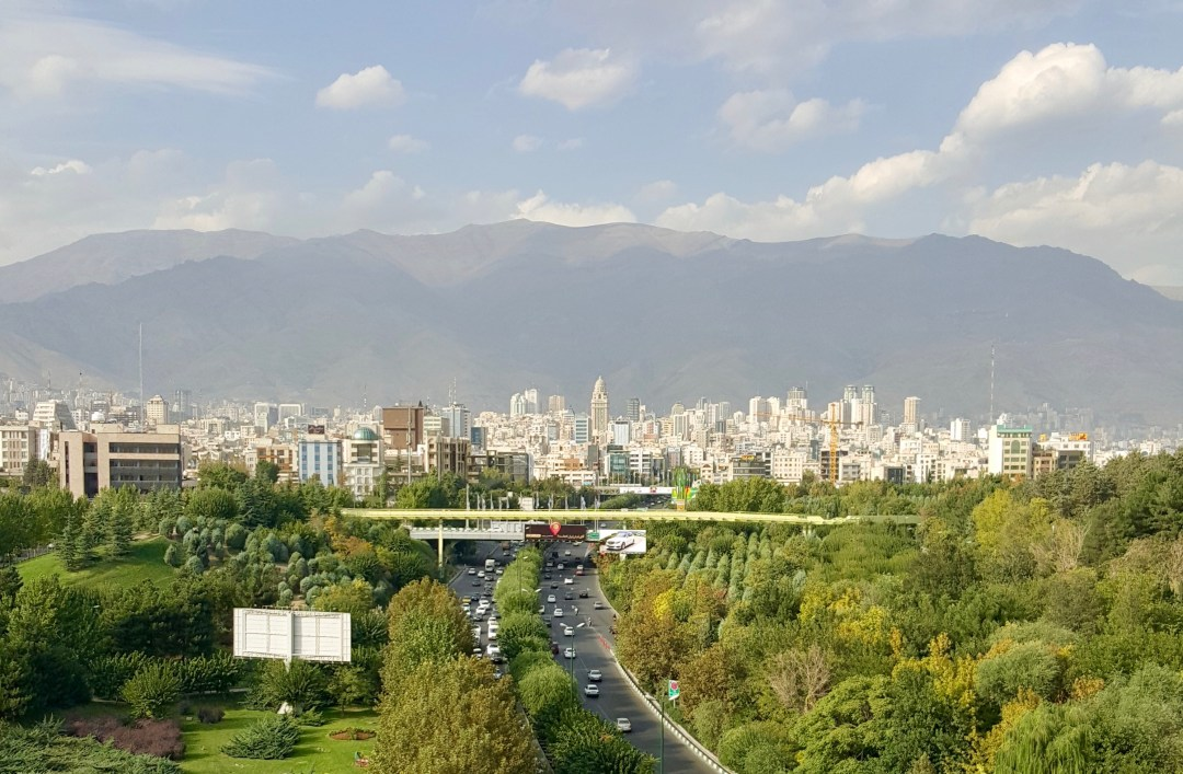 From sharing laughs with strangers to live taxi driver entertainment, these are some of the beautiful experiences I've had in Tehran that seemed magical.