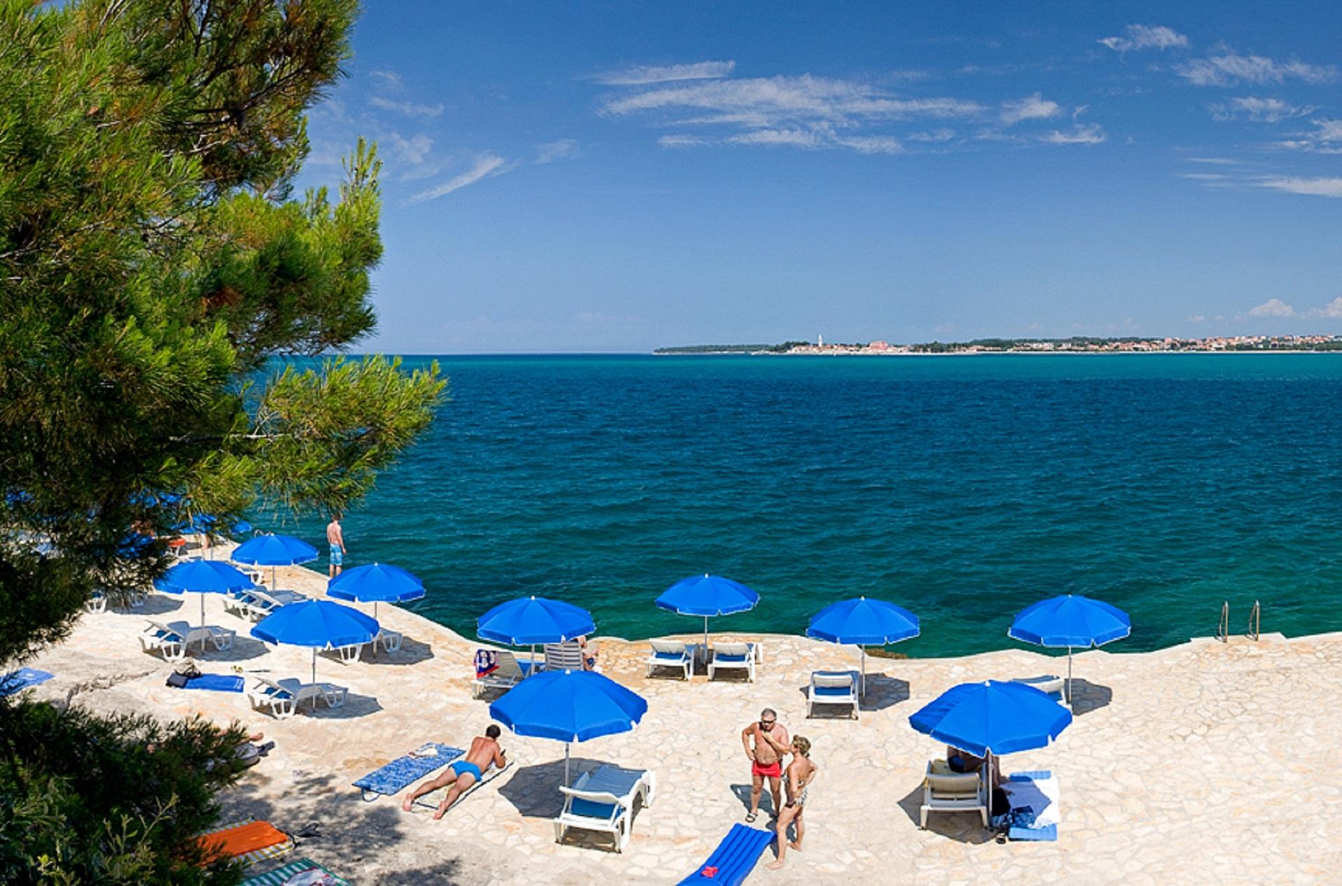 Beach Crnika Lanterna Beaches In Pore Porec Istra