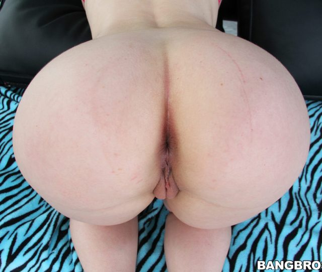 Angell Summers Getting Her Ass Drilled In Pov