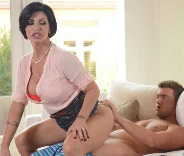 Hot Stepmom Shay Fox Getting Fucked