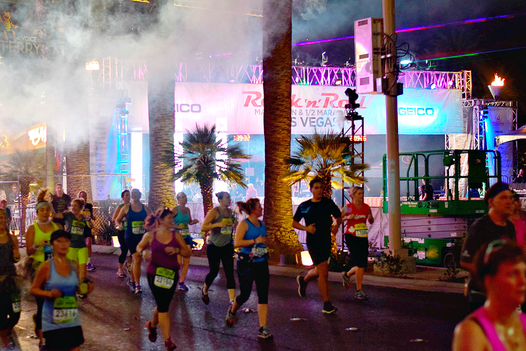 Rock 'N'Roll Las Vegas #StripAtNight #RockNBlog - My Pretty Brown Fit