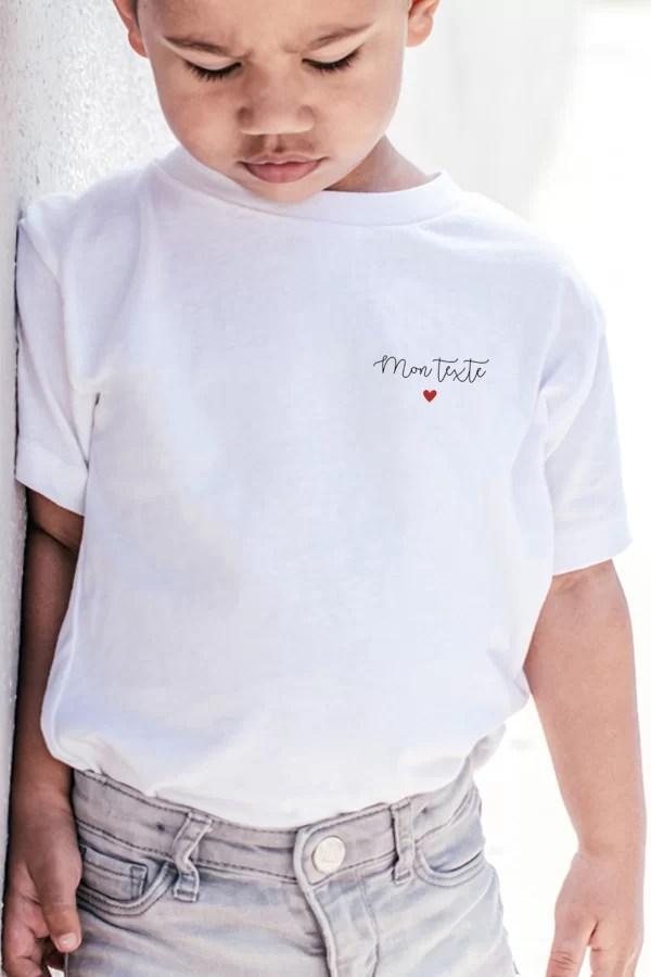 t-shirt pour enfant personnalisé avec texte manuscrit