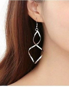 Fashion Twisted Bar Earrings For Pierced Ears