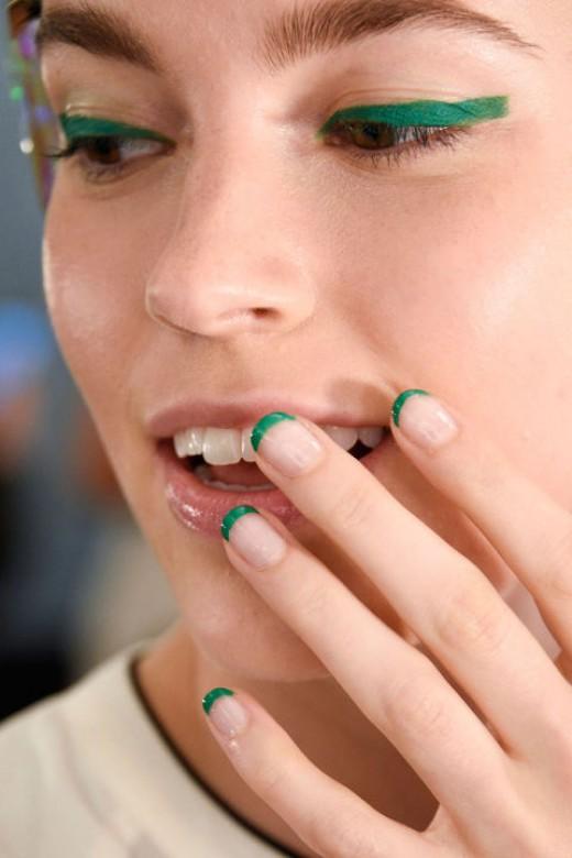 green nail tips