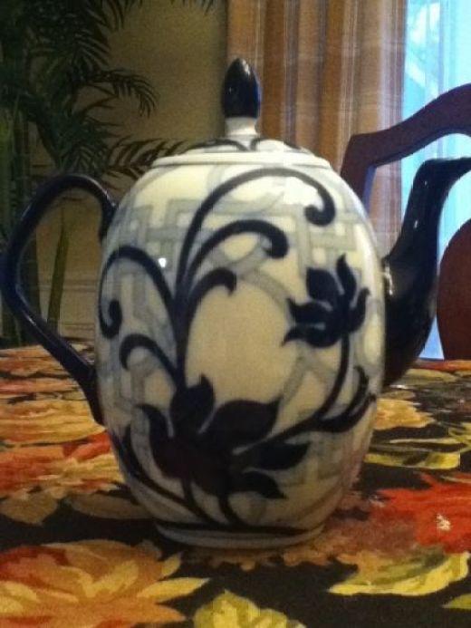 Chinese Garden Teapot