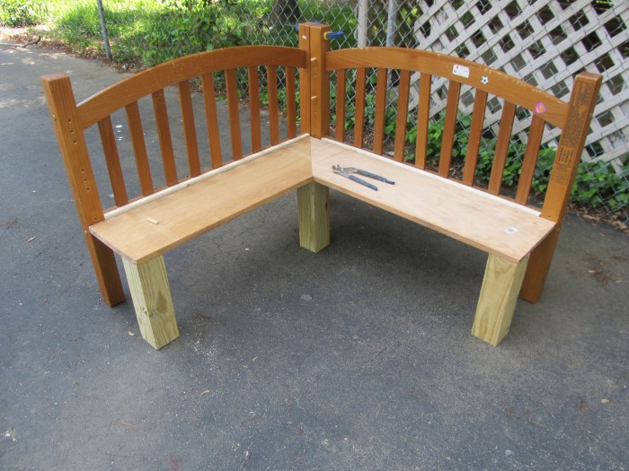use 1x4 to fill in gab on corner table bench