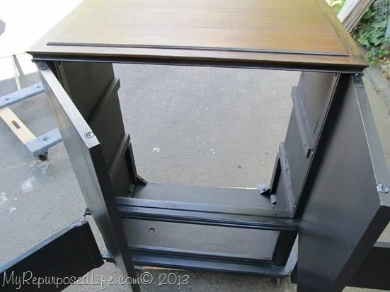 painting-sealing-cabinet