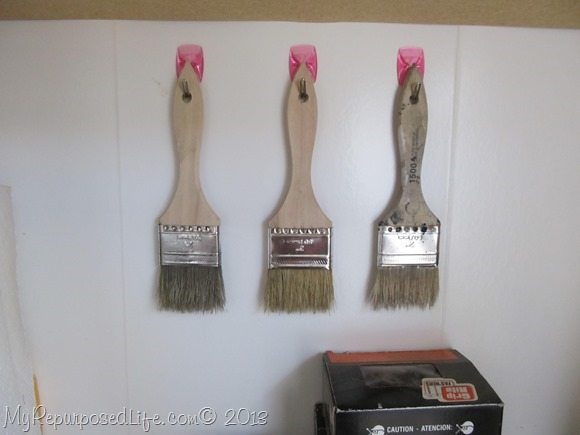 command-brand-hooks-garage-paint-brushes