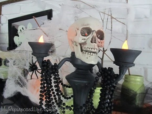creepy-skull-lamp-halloween