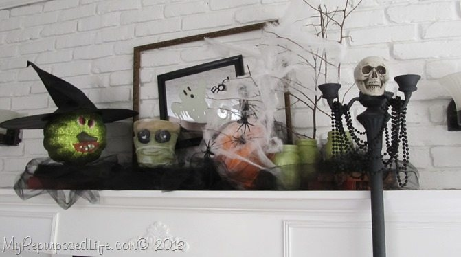 halloween-mantel-with-Krylon