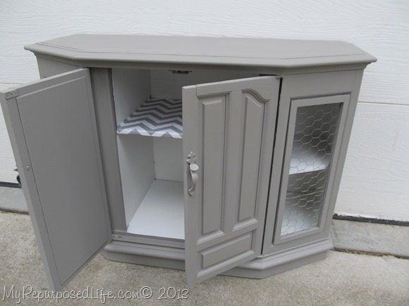 redo-plastic-radio-cabinet