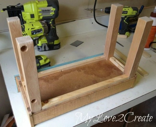 Dry fitting base for small planter