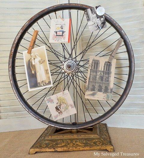 antique-wheel-photo-holder
