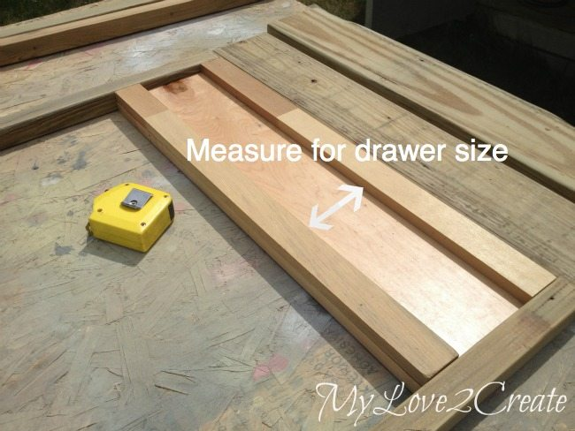 Measuring the opening for the drawer