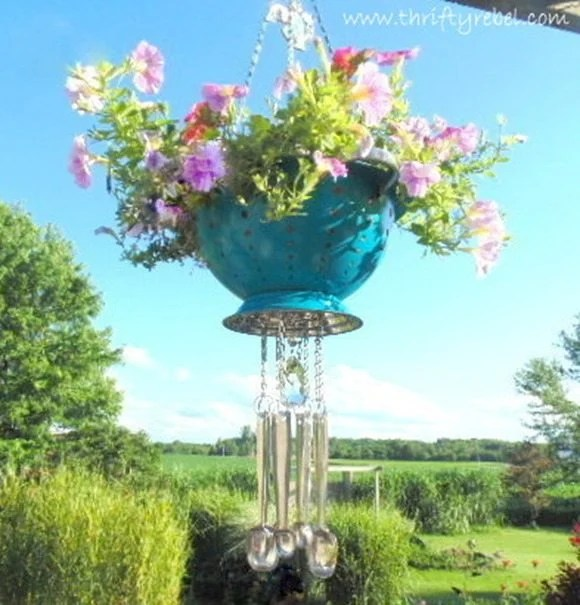 colander-wind-chime-planter