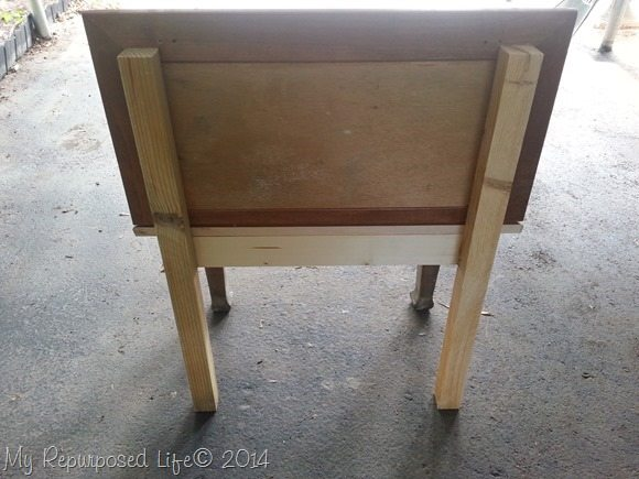 small-bench-made-from-cabinet-doors