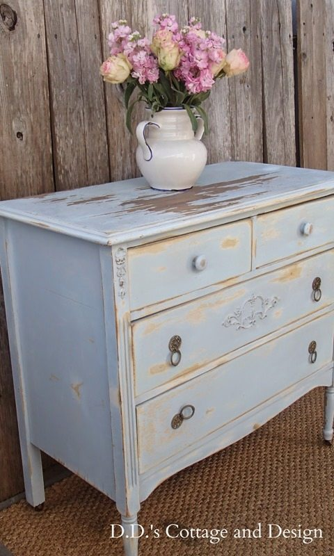 chippy-blue-dresser