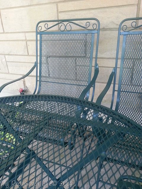 metal-patio-set-makeover-krylon