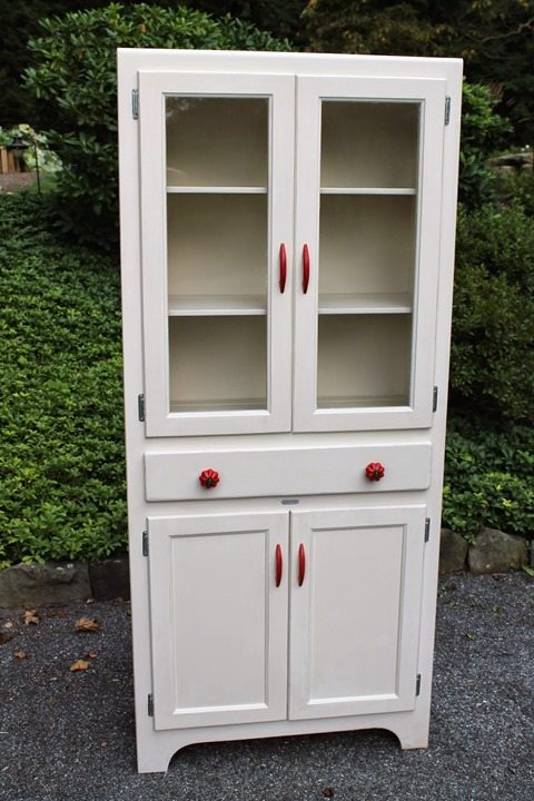 red-white-country-cupboard