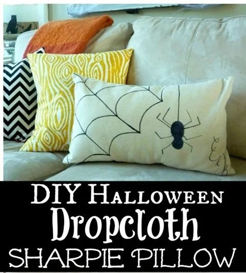How-to-make-a-quick-and-easy-DIY-Halloween-Dropcloth-Sharpie-Pillow-at-The-Happy-Housie