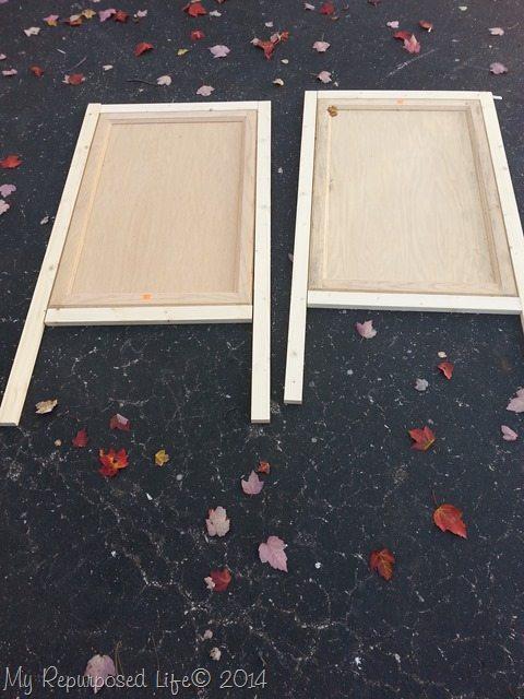 cabinet-door-chalkboard-easel-design