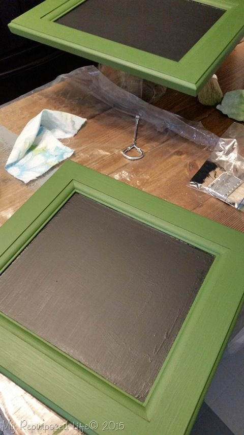 chalkboard-paint-small-cabinet-door-easel