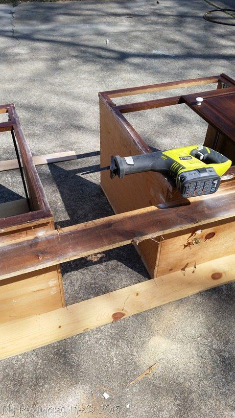 reciprocating-saw-cut-kitchen-cabinet