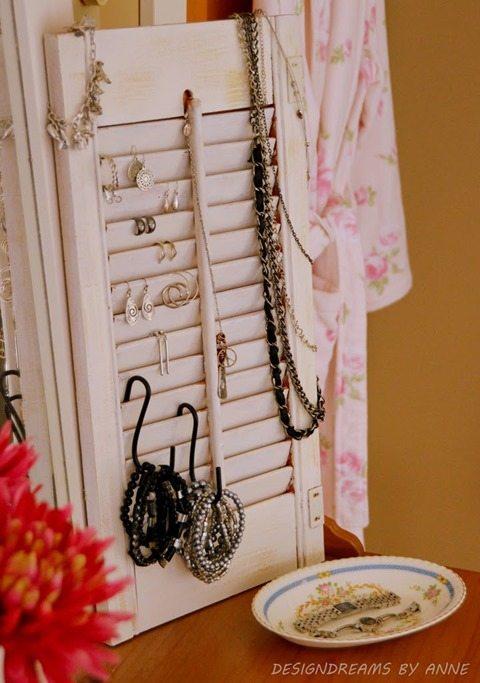 vintage-shutter-jewelry-organizer