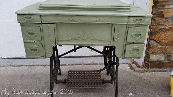 green-vintage-sewing-machine