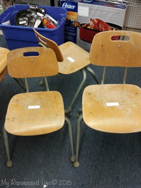 vintage-wooden-kids-chairs