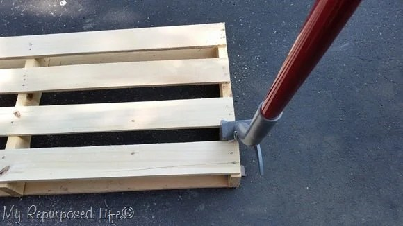 deckwrecker-take-pallet-apart
