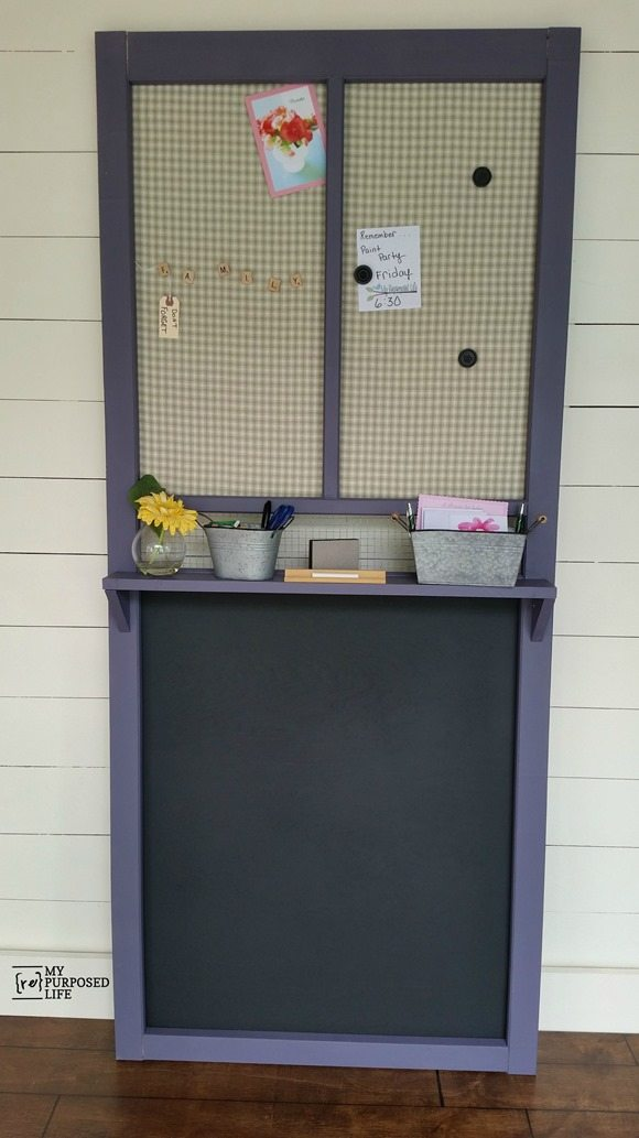 An old door makes this a fairly easy project, netting you a chalkboard and a memo board with a bonus shelf!! Lots of tips to help you complete this project in a couple of afternoons. #MyRepurposedLife #repurposed #stormdoor #screendoor #chalkboard #memo via @repurposedlife
