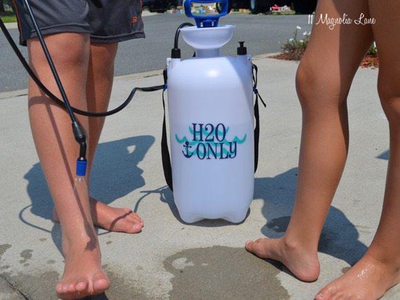beach-sprayer-feet