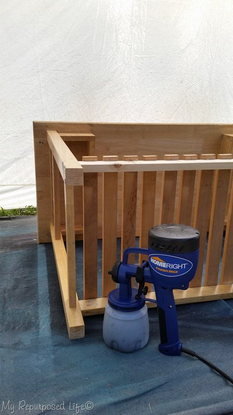 finish-max-spray-shelter-paint-table