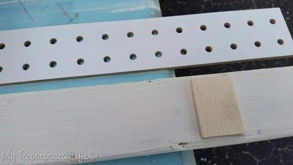 narrow-peg-board-sign-display
