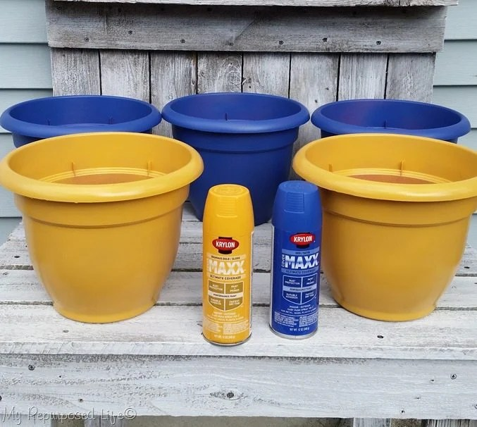 spray-painted-flower-pots