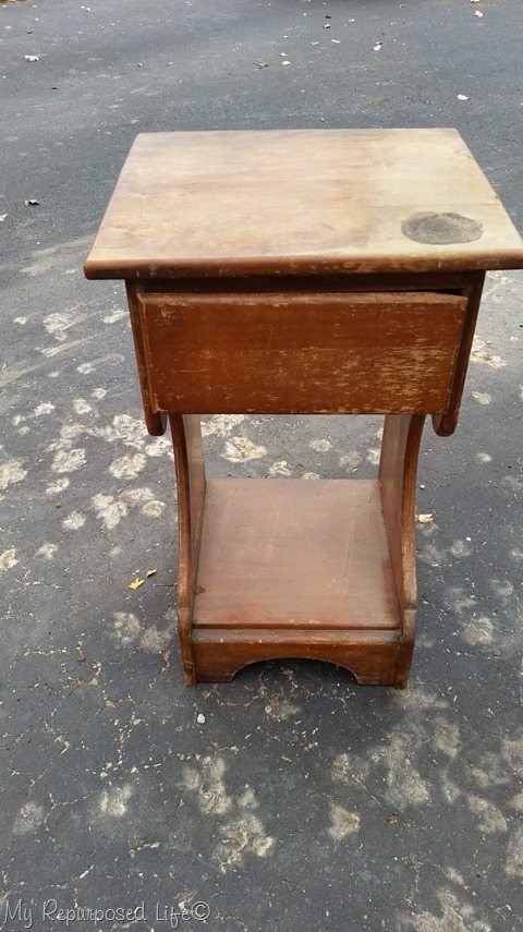free-wooden-night-stand