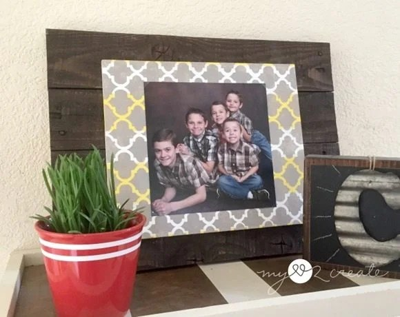 MyLove2Create, pallet and scrap wood frame with horizontal photo